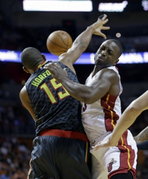 Teague y Horford conducen Atlanta a vencer a los Heat