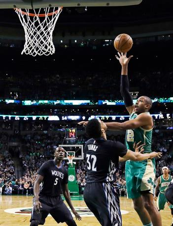 Thomas y Horford conducen a Celtics ante Timberwolves