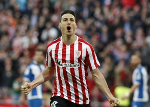 Aduriz anota dos en la victoria de Athletic