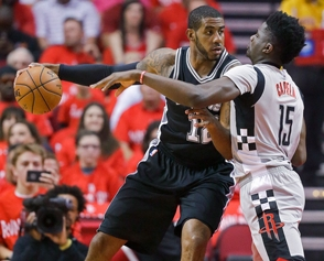 Aldridge anota 34 puntos; Spurs eliminan a Rockets