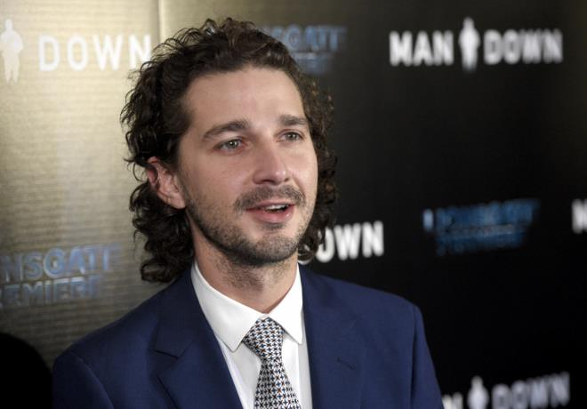 Actor Shia LaBeouf es demandado por camarero