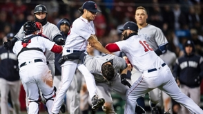 VIDEO: Explotó la rivalidad entre Yankees y Boston