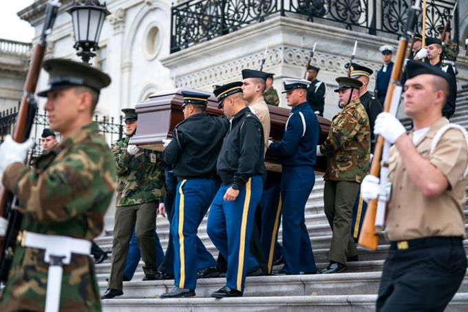 Despide a George H. W. Bush velándolo en el Capitolio | VIDEO / FOTOS