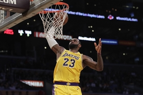LeBron y Lakers dominan la NBA en venta de camisetas