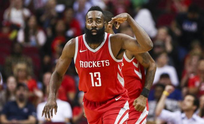 Rockets siguen en la pelea ante Warriors