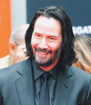 Keanu Reeves recibe su estrella en Hollywood
