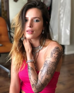 "La actriz Bella Thorne dice que es ""pansexual"" y no bisexual"