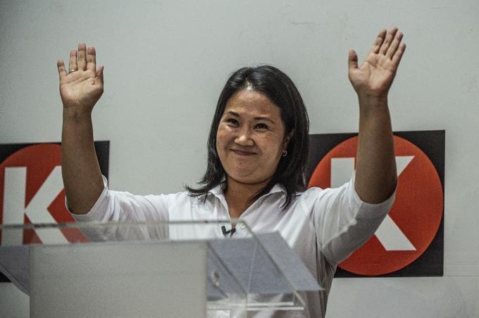 """Keiko Fujimori plantea """"economía social de mercado versus comunismo"""" en las presidenciales de Perú"""