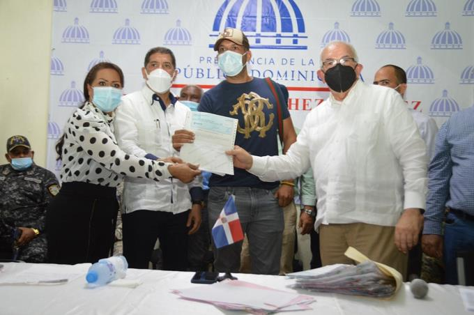Compensan con RD$39.7 millones a productores