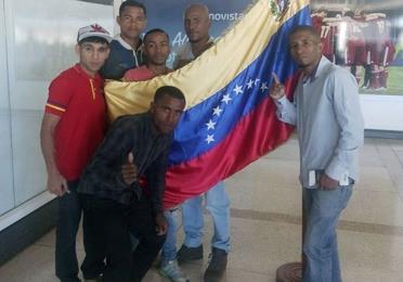 Llegan venezolanos combatirán mañana en el Maunaloa