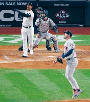 Yankees no claudican y extienden la serie