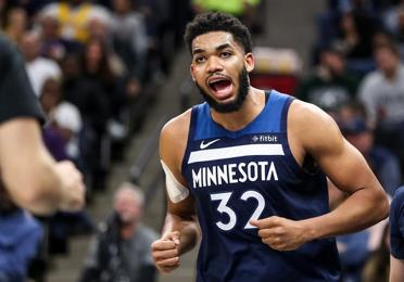 Karl Towns consigue un doble doble