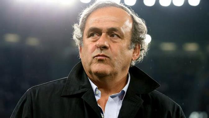 Platini cree el VAR es disparate