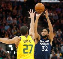 Towns proyecta anotar 275 lances de 3 puntos