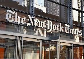 Trump demanda al NYT por difamación por un artículo sobre interferencia rusa