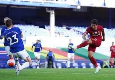 El Liverpool regresa sin gol ante el Everton