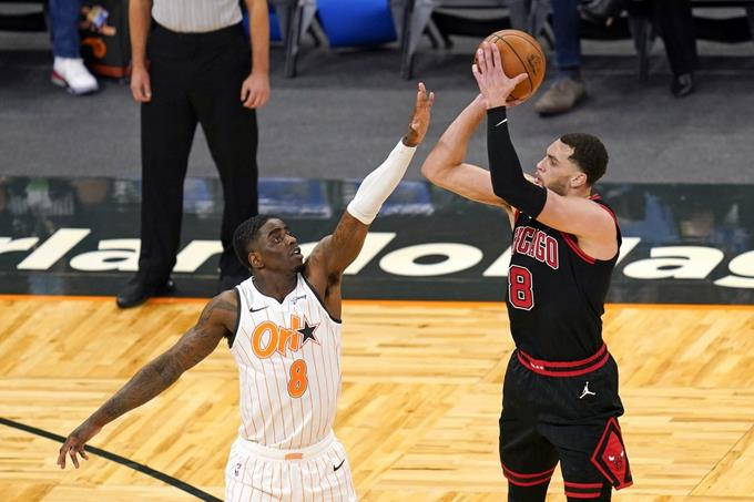 LaVine anota 39 puntos para llevar a Bulls a superar al Magic