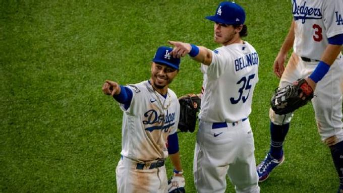 Camisetas de Mookie Betts y Cody Bellinger son las más vendidas